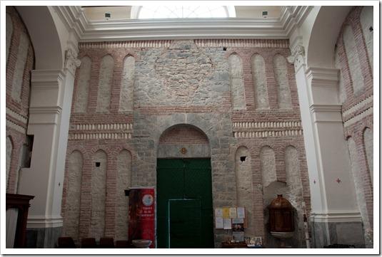 Abbazia di Sant'Andrea - interno Borzone 3