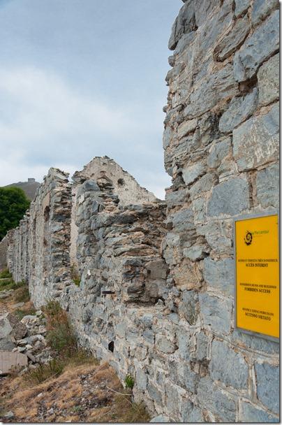 Authion - mura del forte della linea Maginot al Plan Caval