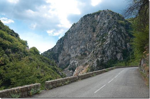 Strada che sale al Col di Turini